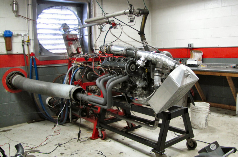900 Horsepower From A Supercharged 30-Year-Old Porsche 928 Engine